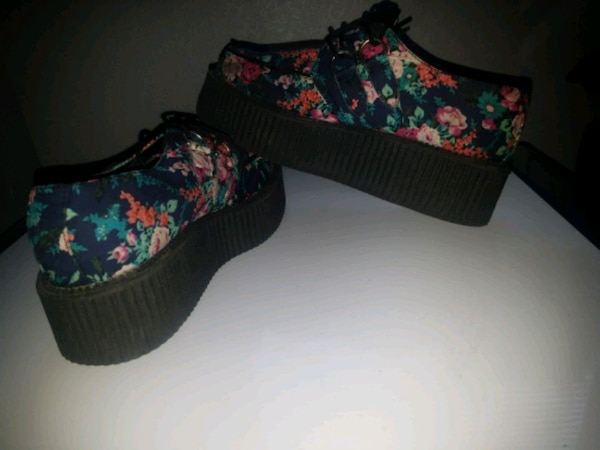 TUK Floral Creepers  af060791-2071-4a1a-9117-bf0198e9d7dd
