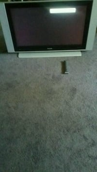 TV 37 inch Phillips with remote control