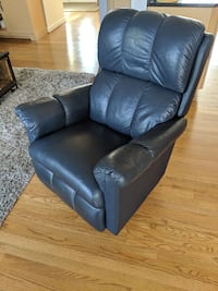 La-Z-Boy Recliner Chair in Leather Fairfax, 22030