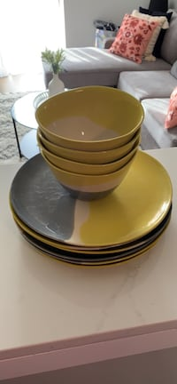 Crate & Barrel Used Plates and Bowls Mc Lean, 22101