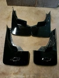 pair of glossy black cheverolet mud flaps Helena, 35080