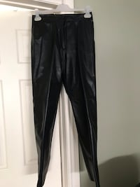 Danier black leather pants, no pleats. New price. Excellent condition. Mississauga, L5B 4G7