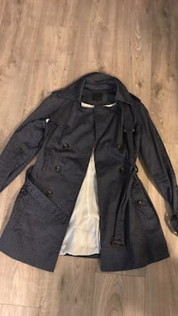 Ladies trench coat Toronto, M8Y 3H8