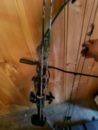 black and gray compound bow Franklin, 16323