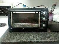 Toaster oven works very well Hamilton, L8M 1N1