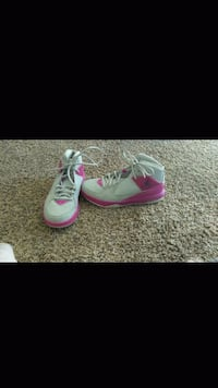 pair of pink-and-green Nike sneakers El Paso, 79924