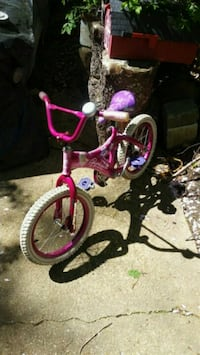 For young girl.Barbie motif..16 inch wheel. Annandale, 22003