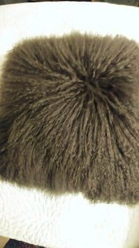 black and gray fur textile Winnipeg, R3N 1Z3