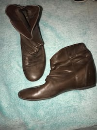 Leather Boots (Short)- Size 7 Red Deer, T4P 0L4