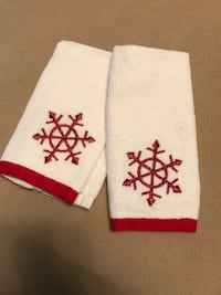 2 Holiday White with Red Snowflake Finger Tip Towels-smoke free house High Springs, 32643