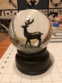 "Snow globe / music box-approx 6.5"" tall 4"" wide-works fine but plastic underneath  broken Surrey, V3V 7L9"