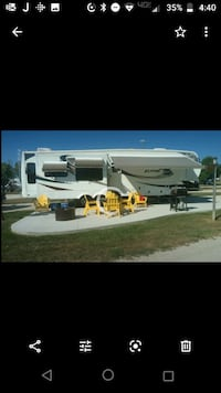 2011 Alpine fifth wheel (40') Des Moines, 50313