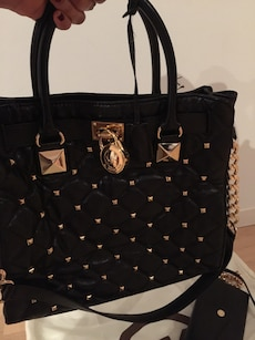 sort skinn studded tote bag
