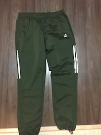 Adidas sweats pants  Edmonton, T5C 0E7