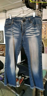 blue denim stone wash jeans Coquitlam, V3J 4B5