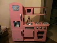 pink and white kitchen playset Stephens City, 22655