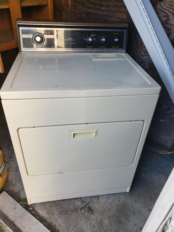 Kenmore Dryer in good working condition  0
