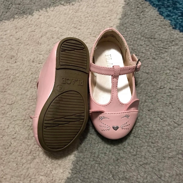 size 4 baby shoes  b2228eb0-9956-460b-af80-bfe095eed61b