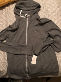 Thin grey sweater, size Large, brand new, still has tags on  Fresno, 93727