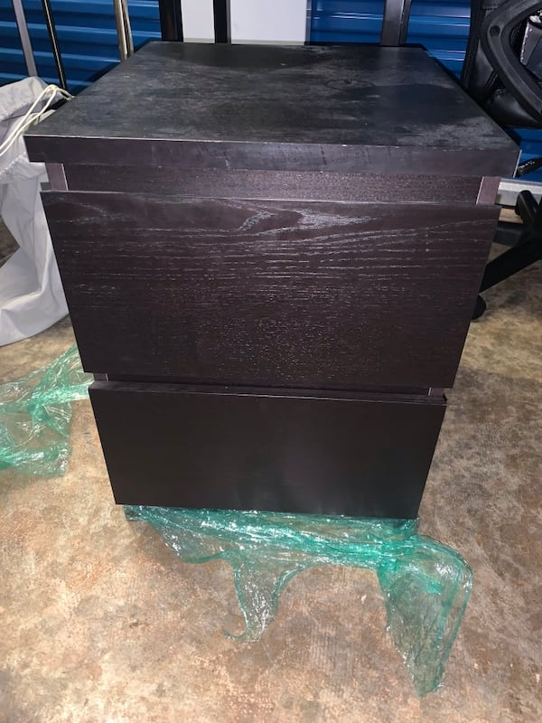 Storage locker full of 2 bedrooms townhome full of furniture for sale 427470fc-6d62-484d-bee2-d059a9e4110d