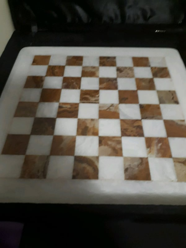 Exquisite Marble-like chessboard & Case a331b217-6c81-4800-9248-d74973fd7875