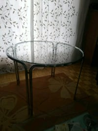 TABLE EN VERS//50$//GLASS TABLE// Châteauguay