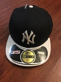 Hat - Authentic New Era fitted cap NY Yankees, size 7 5/8 (on-field) Los Angeles, 91602