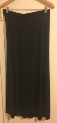 Women's black maxi skirt 21 mi
