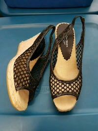 Espadrilles size 9, excellent condition, like new Mississauga, L5A 3Y3