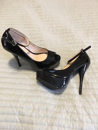 Black high heals size 8 1/2 Midwest City, 73130
