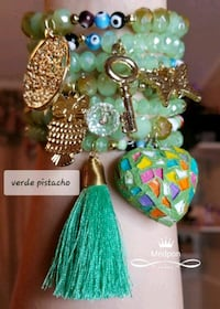 green and gold-colored beaded necklace Reno, 89502