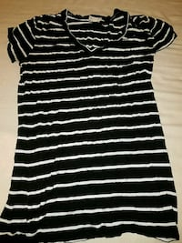 Black and white striped v neck Valdosta, 31601