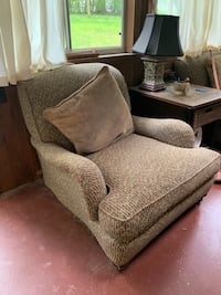Two oversized arm chairs. A little bit of wear and tear on the arms and bottom. Can send more pictures if you're interested Fredericksburg, 22407
