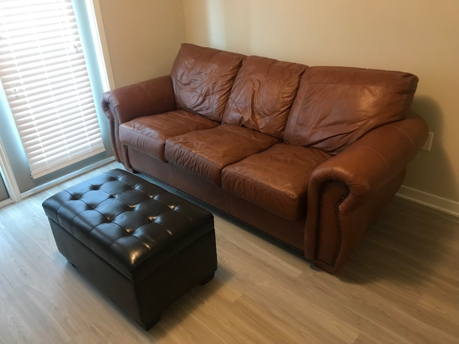used leather couch and storage ottoman for sale in charleston letgo rh tr letgo com