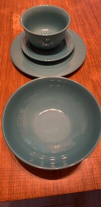 Set of dishes  Dallas, 75248