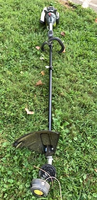 Ryobi 4 cycle weed trimmer - Weedwhacker. Only 8 months out.