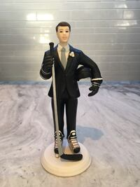 Cake topper hockey male porcelain  Toronto, M4Y