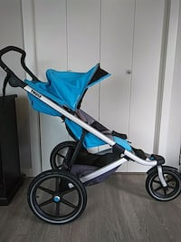 THULE URBAN GLIDE STROLLER EXCELLENT CONDITION