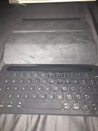 Apple Smart Cover / Keyboard for iPad Los Angeles, 90004