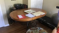 Wooden dining room table  Cape Coral, 33914