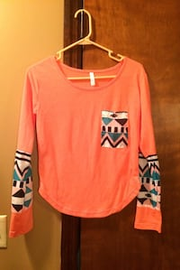 Cute Size M Top Cookeville, 38501