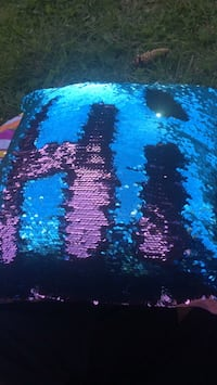 Colour changing pillow Calgary, T1Y 5Y5