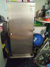 Portable catering cart hot/cold unit