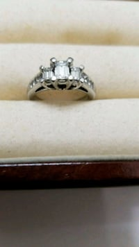 certified platinum engagement ring  San Antonio, 78245