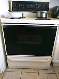 white and black induction range oven Gatineau, J8T 1H3