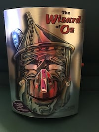 New Wizard of OZ Book Complete with Masks