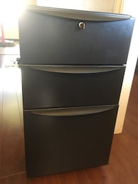 Rolling filing cabinet with key  Burnaby, V5B 2K7