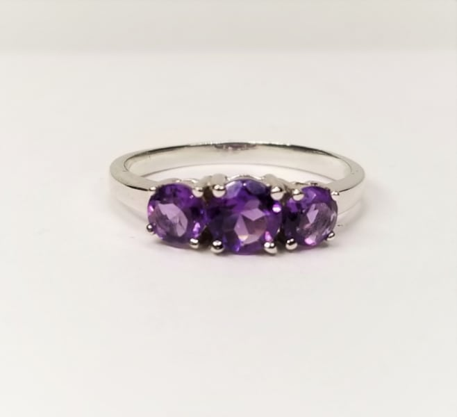 3-Stone Natural African Amethyst 925 Sterling Silver Ring c7712e54-e74f-424d-9a5a-12086fda7ff2