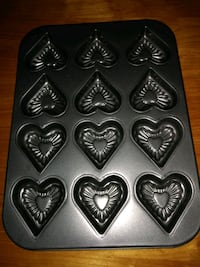 Heart shaped muffin tins Birmingham, 35210