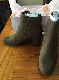 Booties size 9 null, V0E 1W1